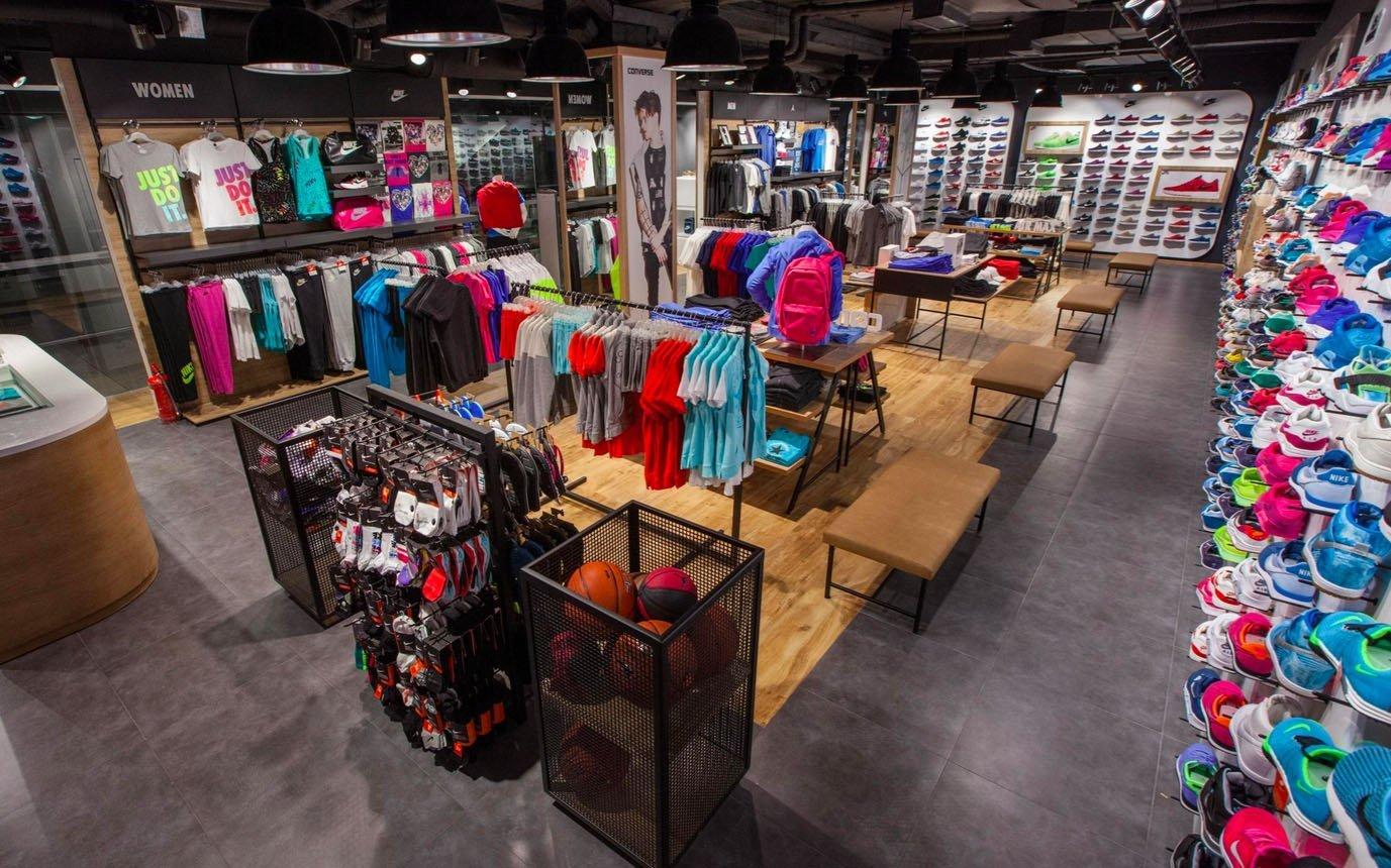 ... SPORT успешно вывела на рынок Украины более 10-ти новых брендов в  сегменте спорт и fashion. Сегодня в нашем портфеле бренды-лидеры своего  сегмента  NIKE ... b2e9077a2d49d