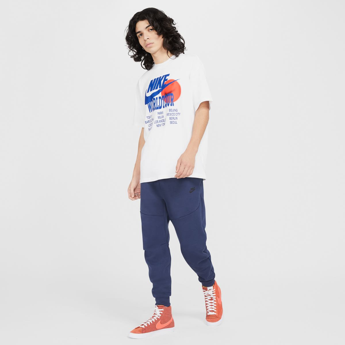 Футболка NIKE M NSW TEE WORLD TOUR