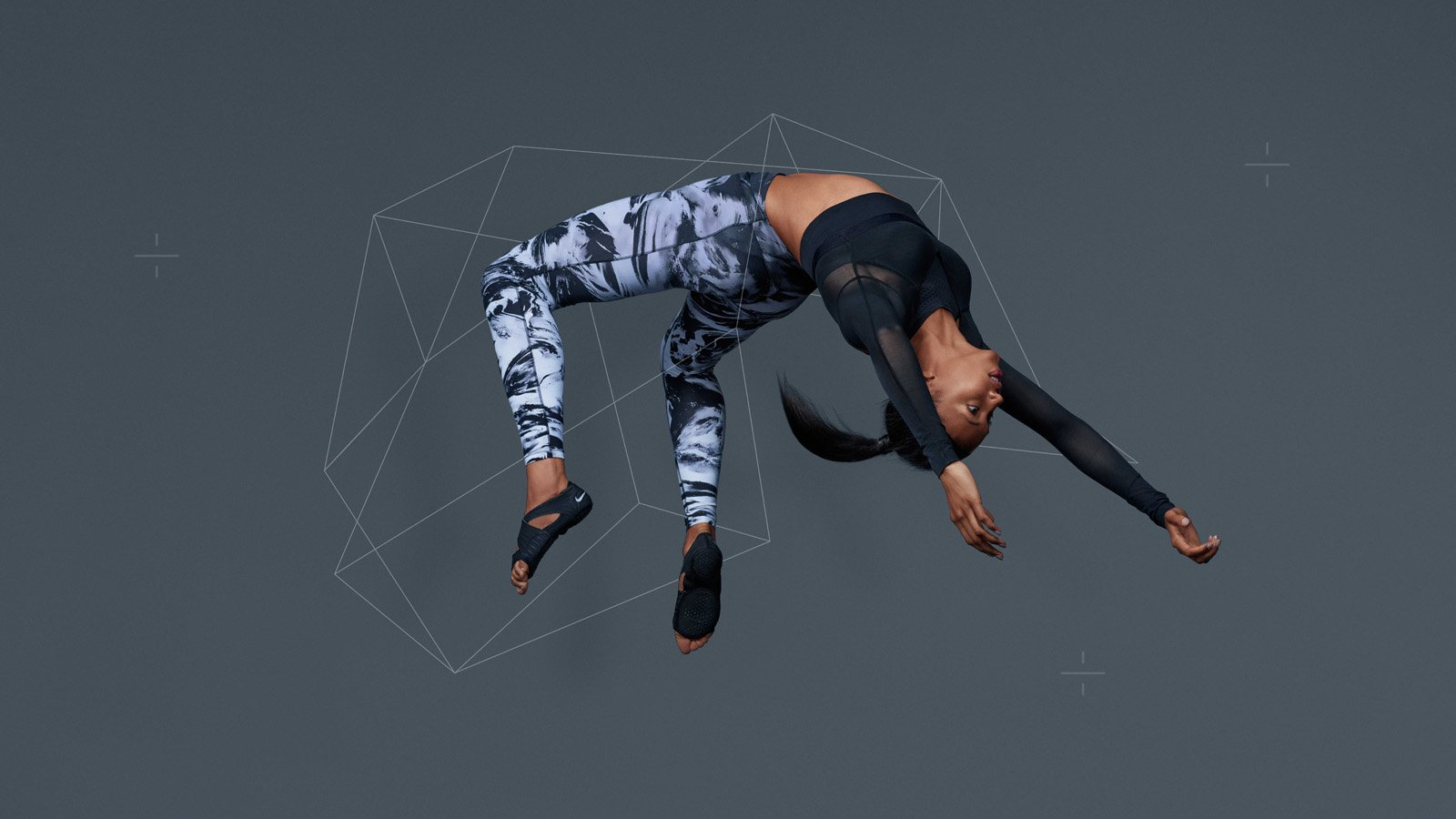 NikeWomen_FA15_Lookbook_MorganLake_WT_Geometry_2_original.jpg
